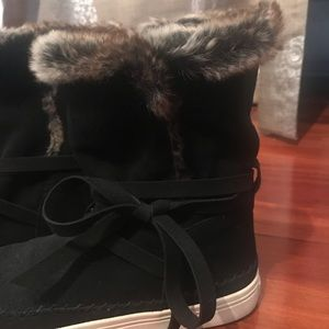 Toms sneaker boot with fur
